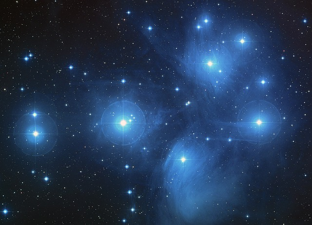 the-pleiades-star-cluster-11637_640